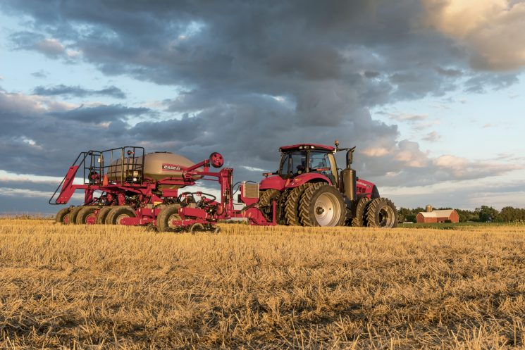 Case IH 1255 Front Fold Trailing
